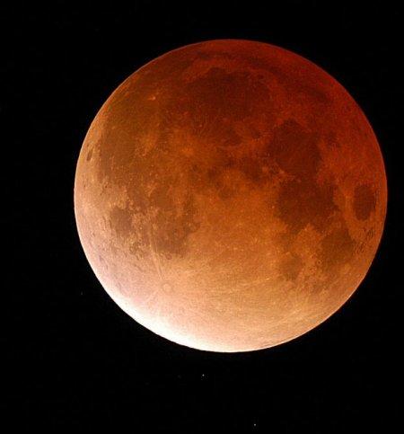 Лунное затмение (08/09.11.2003)